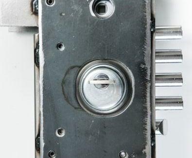усилена стоманена кутия ProBox за вътрешен монтаж на бравата поглед отпред