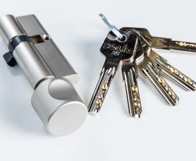 патрон с ключове Солид 6