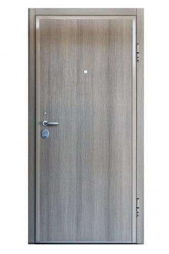 Блиндирана врата с основно скрито и допълнително механично заключване iDoor 3.0 изгед отвътре с декоративни первази