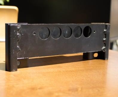 допълнителен защитен модул, изработен от 4мм стомана в областта на бравата